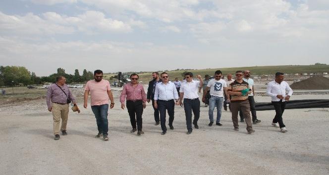 Başakşehir Belediye Başkanı Yasin Kartoğlu Malazgirt'te geldi