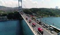 15 Temmuz'un sembolü kamyonlar Şehitler Köprüsünden geçti
