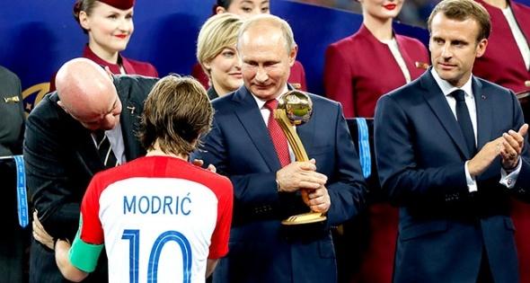 Rusya'dan sürpriz vize kararı! Putin açıkladı...