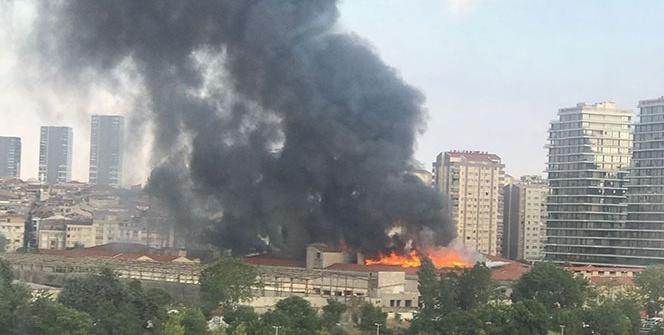 Zeytinburnu'da korkutan yangın!