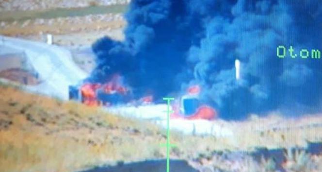 PKKlı teröristler 4 aracı ateşe verdi