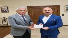Vali Varoldan Türkiye Diyanet Vakfına kurban bağışı