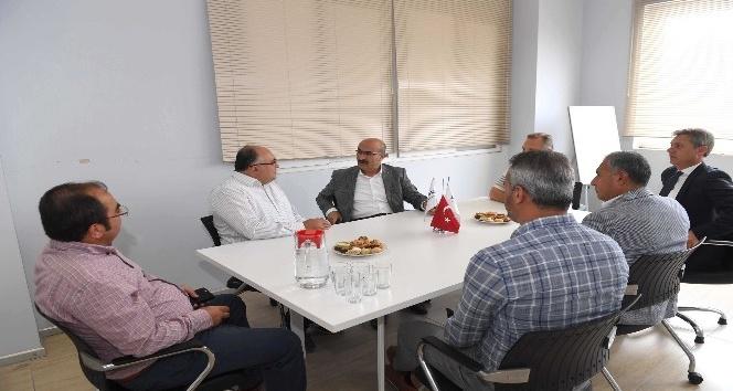 Vali Demirtaş, ikinci 500'e giren firmaları kutladı