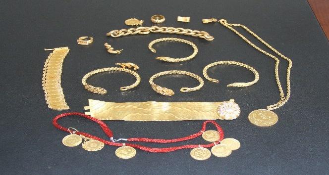 Takside unutulan 110 bin lira değerindeki altınları sahibine teslim etti ile ilgili görsel sonucu