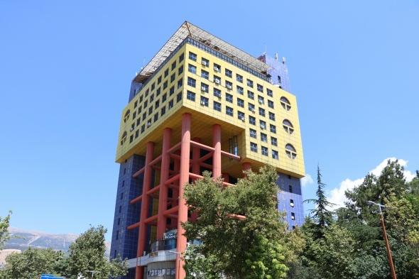 Google, 'Dünyanın en saçma binası'nı Türkiye'de buldu!