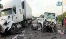 Düğün minibüsü kaza yaptı: 13 ölü, 4 yaralı