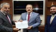 Vali Pehlivan kurban vekâletini Türkiye Diyanet Vakfına verdi