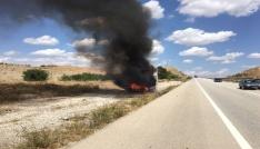 Uyurken kamyoneti alev alev yandı