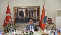 İl Jandarma Komutanı Şahine veda yemeği