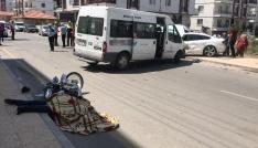 Aksarayda minibüs ile motosiklet çarpıştı: 1 ölü, 2 yaralı