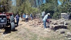 Vatandaşlar, kışın yakacakları odun teminine şimdinden başladı