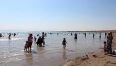 Kırşehirde hafta sonu Savcılı plajına akın