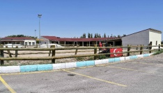 Aksaraya at binicilik tesisi