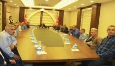 Vali Toprak  Şemdinlideki kanaat önderleri ile bir araya geldi
