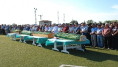 Edirnedeki kazada hayatını kaybeden 4 kişi toprağa verildi