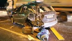 Üç aracın karıştığı kazada otomobil hurdaya döndü