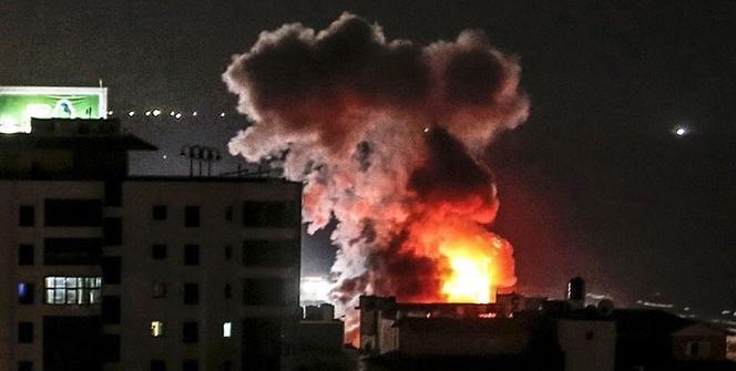 İsrail'den Gazze'ye hava saldırısı !