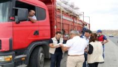 Yozgatta kurbanlık hayvan taşıyan kamyonlara sıkı denetim
