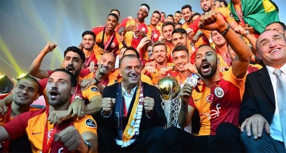 Galatasaray'da 3 imza