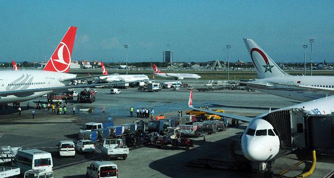 Son dakika... Atatürk Havalimanında iki uçak çarpıştı