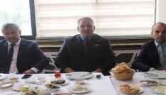 Bayburt Vakfı, basın mensupları ile kahvaltıda bir araya geldi