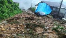 Rizenin Pazar ve Ardeşen ilçesinde dün gece yağan yağmurun ardından selin tahribatı ortaya çıkıyor