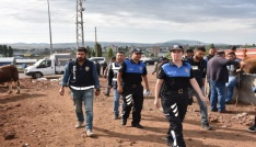 Karsta polisten bayram öncesinde sahte para uyarısı