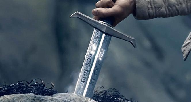 İşte KRAL Arthurun kılıcı   Kral Arthurun taşa saplı efsanevi kılıcı hakkında her şey (HADİ SORUSU)