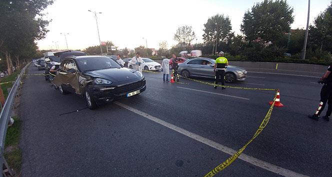 Son dakika... Dur ihtarına uymayan lüks otomobile polis ateş açtı: 1 yaralı