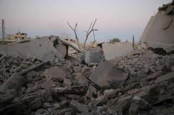 Rus uçakları Halep'i vurdu! Çok sayıda ölü var