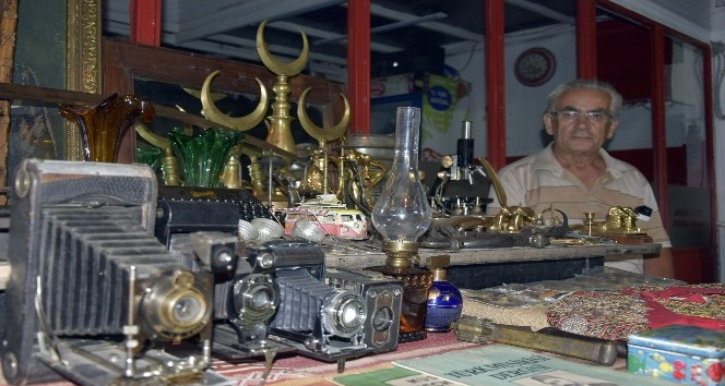 Koleksiyonerlerin gözdesi Burdur'daki pazar mezatı