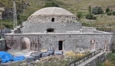 Karsta Osmanlıdan kalma iki hamamın restorasyonu sürüyor