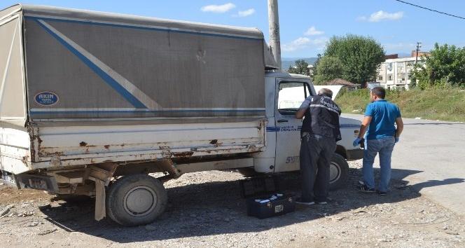 Motosiklet sürücüsü 13 yaşında, çarptığı araç ise çalıntı çıktı