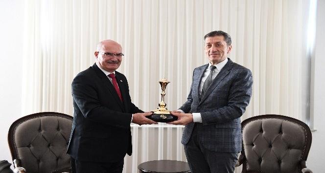 ATO'dan Milli Eğitim Bakanı Selçuk'a ziyaret