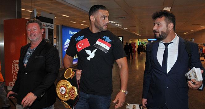 Şampiyon boksörden Özil'e destek