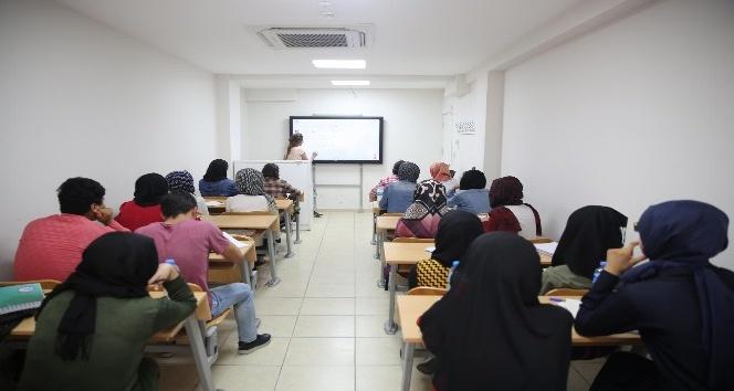 Öğrenciler hedeflerine Haliliye Belediyesiyle ulaşıyor