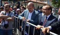 Bakan Soylu, vatandaşların taleplerini bizzat not aldı