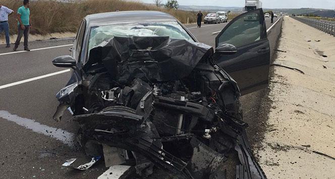 Otomobil traktöre çarptı: 2 yaralı...