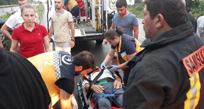 Sağanak nedeniyle otomobil takla attı: 2 yaralı