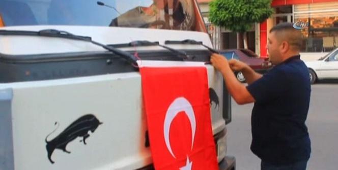Aracını bayraklarla süsledi, Ankara'ya doğru yola çıktı