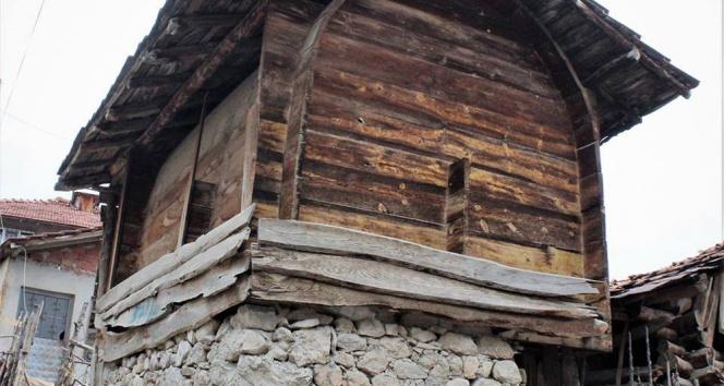 Haşerata geçit vermeyen 200 yıllık ambarlar