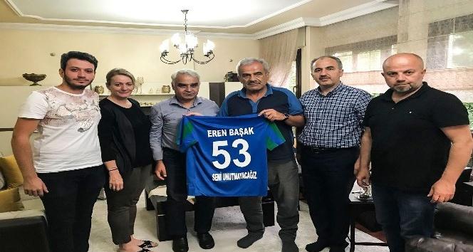 Çaykur Rizespordan Eren Başakın ailesine taziye ziyareti