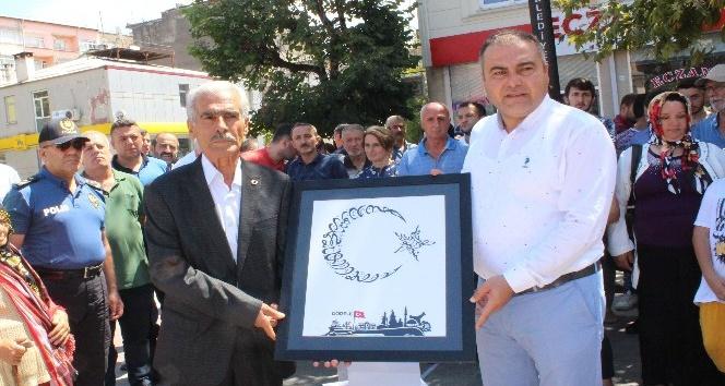 Şehit Polis Fethi Sekinin babası Görelede kermes açılışına katıldı