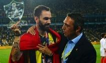 Fenerbahçe'de Ramil Guliyev'e plaket verildi