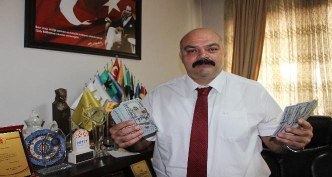 Efsane şampiyon Mahmut Demir oğlu için ayırdığı dolarları bozdurdu