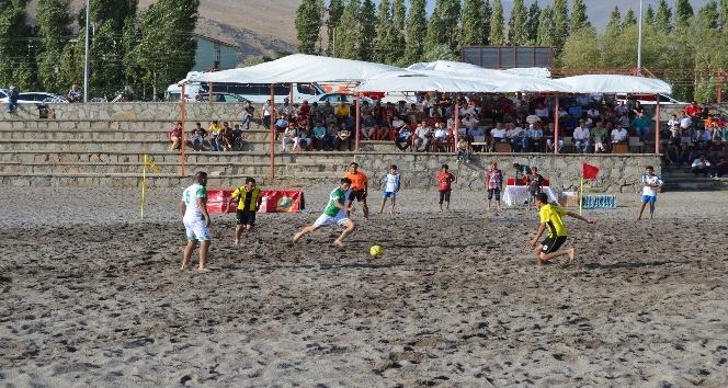 Adilcevazda Plaj Futbolu turnuvası düzenlenecek