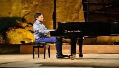 Singapurlu piyanist Shaun Choodan Gümüşlükte unutulmaz konser