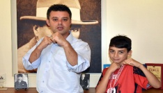 Çorlulu minik boksör Türkiye şampiyonu oldu