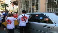 Denizlide engelli vatandaşlardan çıkartmalı protesto