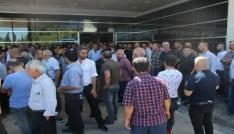 Adıyamanda vatandaşlar yaralı askerlere kan vermek için hastaneye akın etti